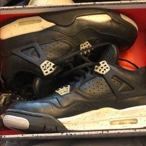 Air Jordan 4 Retro Oreo